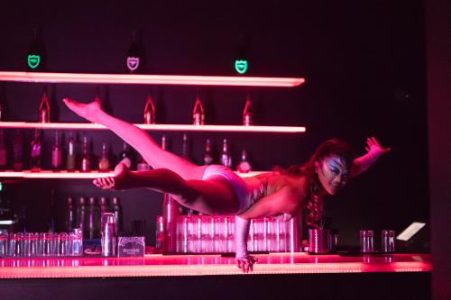 CarolineHandBalancing4 (Cirque Du Bijou)